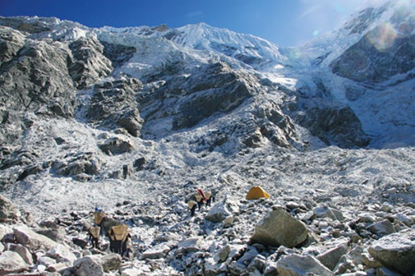 """Glaciers """"Sing"""" as They Crack at Night"""