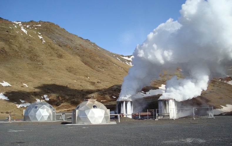 Scientists Turn Carbon Dioxide Emissions into Stone [Video]