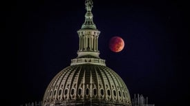 Blood-Red Moon: Total Lunar Eclipse Photos from Readers