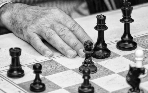 Brain Study Shows Grandmaster Chess Players Think Differently Than Amateurs Do