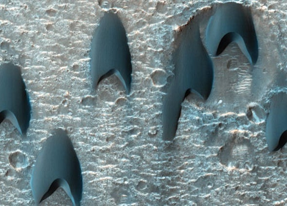Dunes on Mars Resemble Starfleet Logos