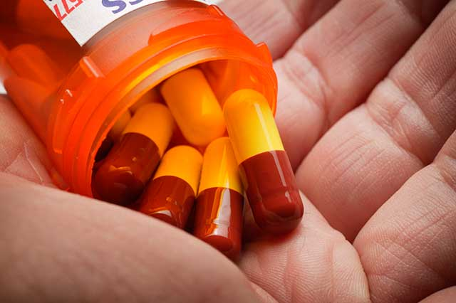 Misunderstanding of Antibiotics Fuels Superbug Threat, WHO Says