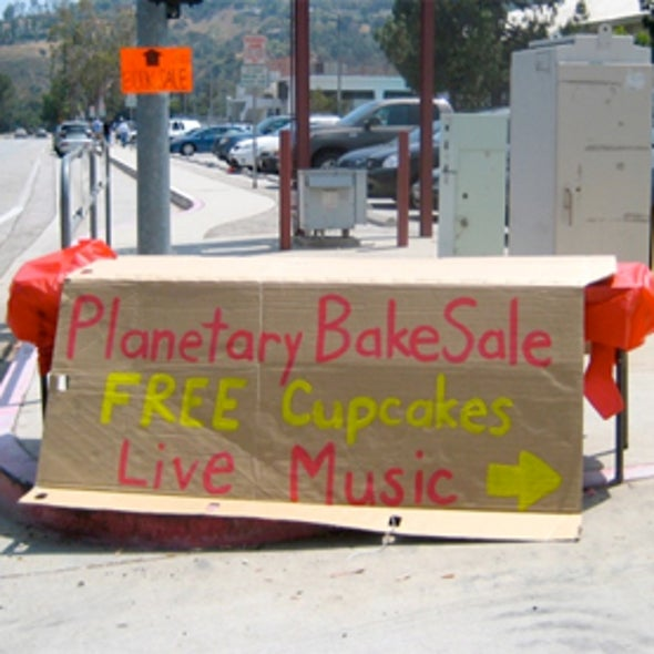 """NASA Scientists Fight Budget Cuts with """"Bake Sale"""""""