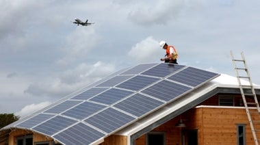 Fight over Rooftop Solar Forecasts a Bright Future for Cleaner Energy