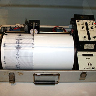 How was the Richter scale for measuring earthquakes developed?