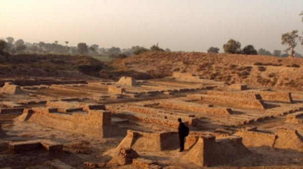 indus valley civilization bronze age The bronze age in the indian subcontinent begins around 3000 bce, and in the end gives rise to the indus valley civilization, which had its (mature) period between 2600 bce and 1900 bce it continues into the rigvedic period, the early part of the vedic period.