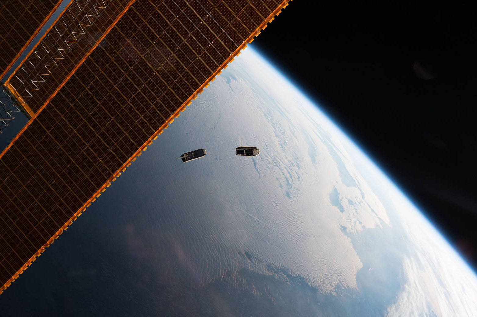 Les pirates pourraient arrêter les satellites – ou les transformer en armes