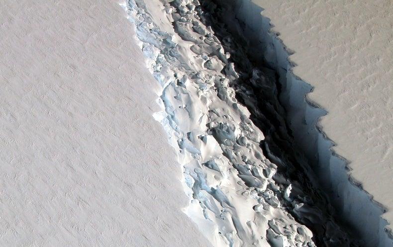 Growing Antarctic Crack Primes Delaware-Size Iceberg
