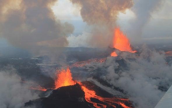 Huge Icelandic Eruption Mimics Industrial Emissions