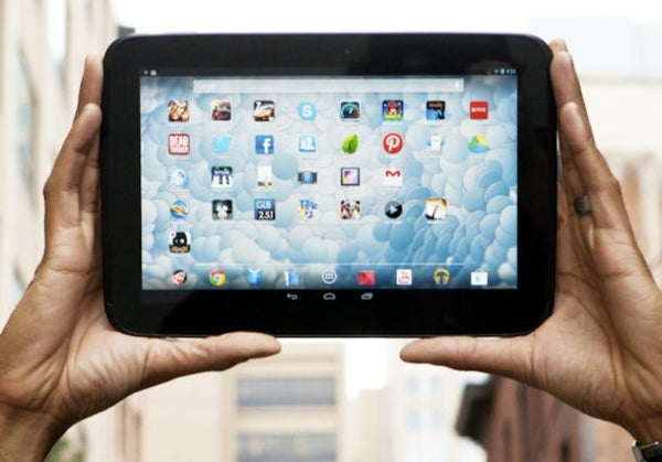 With no new Nexus 10, iPad has few rivals in high-end tablets